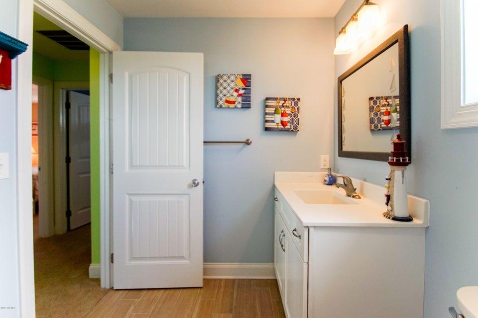 E. Long Beach Real Estate - http://cdn.resize.sparkplatform.com/ncr/1024x768/true/20170923223130776777000000-o.jpg