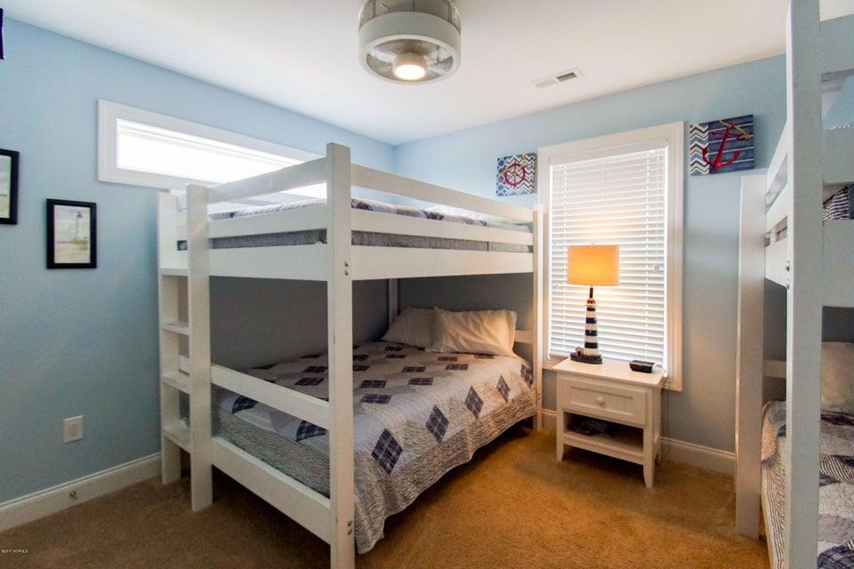 E. Long Beach Real Estate - http://cdn.resize.sparkplatform.com/ncr/1024x768/true/20170923223139491065000000-o.jpg
