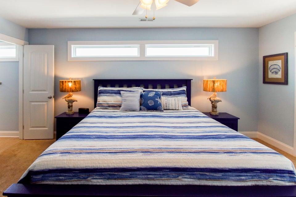 E. Long Beach Real Estate - http://cdn.resize.sparkplatform.com/ncr/1024x768/true/20170923223150110547000000-o.jpg