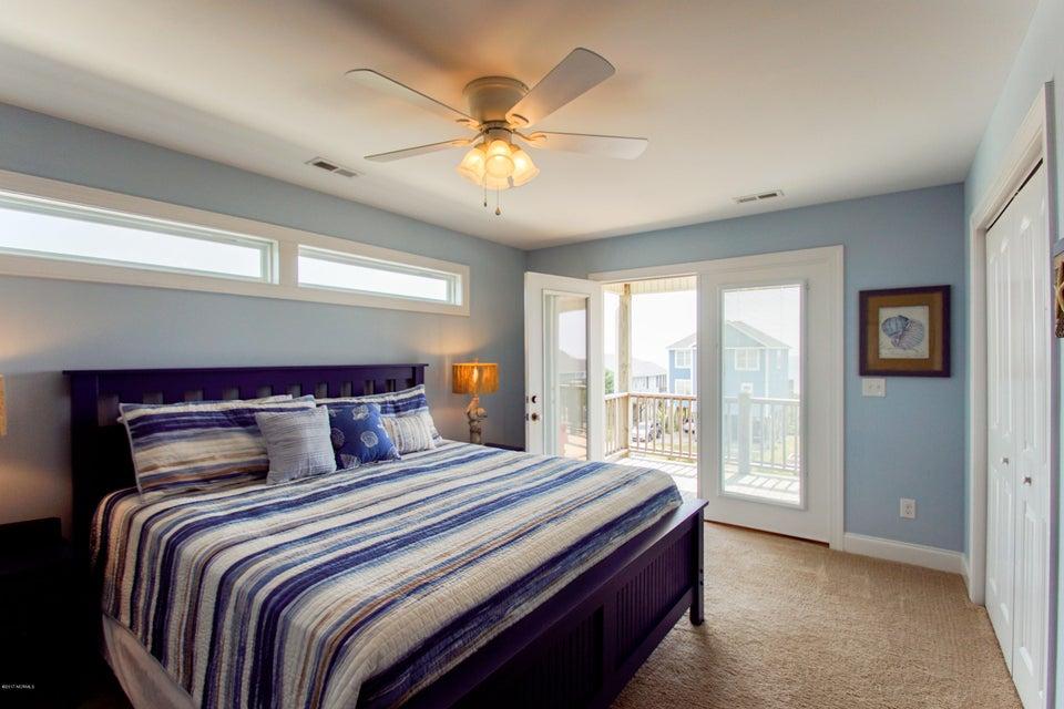 E. Long Beach Real Estate - http://cdn.resize.sparkplatform.com/ncr/1024x768/true/20170923223209715288000000-o.jpg