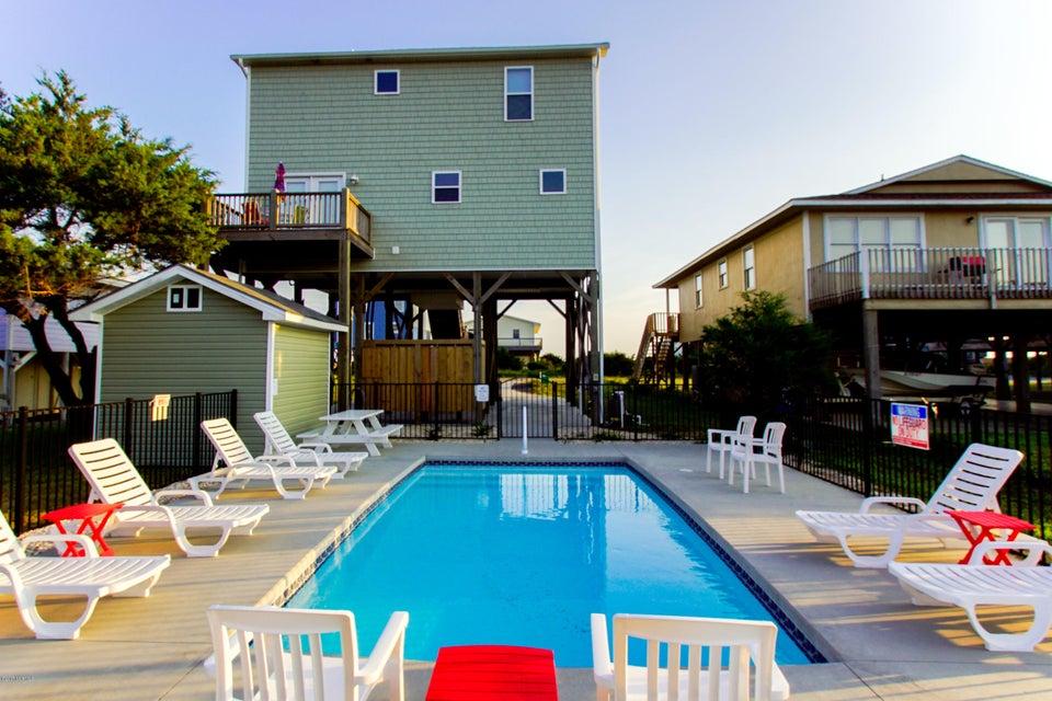 E. Long Beach Real Estate - http://cdn.resize.sparkplatform.com/ncr/1024x768/true/20170923223245702142000000-o.jpg
