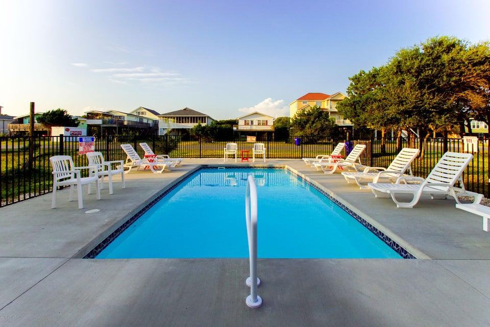 E. Long Beach Real Estate - http://cdn.resize.sparkplatform.com/ncr/1024x768/true/20170923223301139273000000-o.jpg