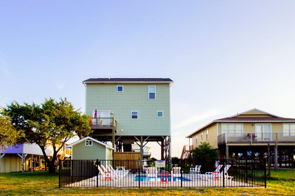 E. Long Beach Real Estate - http://cdn.resize.sparkplatform.com/ncr/1024x768/true/20170923223341368953000000-o.jpg