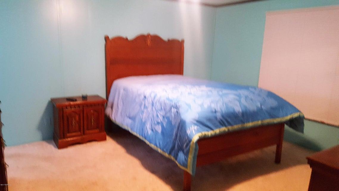 Summer Place Real Estate - http://cdn.resize.sparkplatform.com/ncr/1024x768/true/20170925142252966754000000-o.jpg