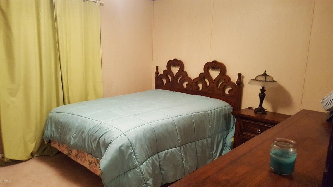 Summer Place Real Estate - http://cdn.resize.sparkplatform.com/ncr/1024x768/true/20170925142255784130000000-o.jpg