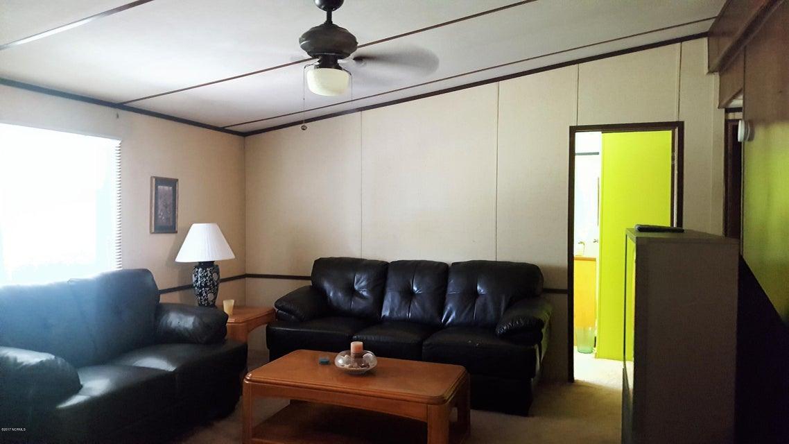 Summer Place Real Estate - http://cdn.resize.sparkplatform.com/ncr/1024x768/true/20170925142317521920000000-o.jpg