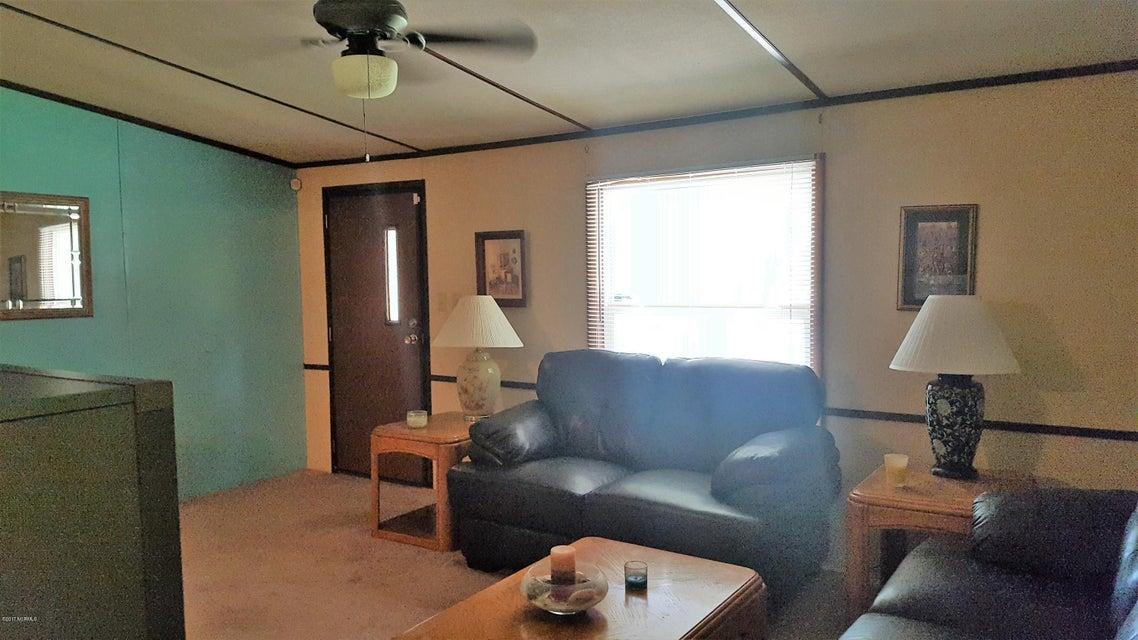 Summer Place Real Estate - http://cdn.resize.sparkplatform.com/ncr/1024x768/true/20170925142322468807000000-o.jpg