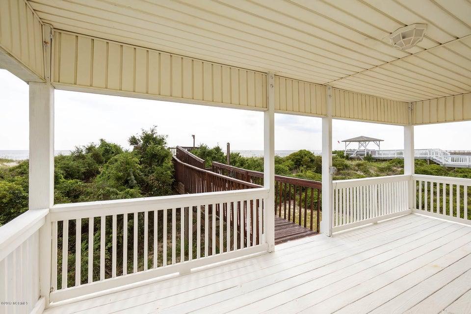 Caswell Beach Real Estate - http://cdn.resize.sparkplatform.com/ncr/1024x768/true/20170925162252557239000000-o.jpg