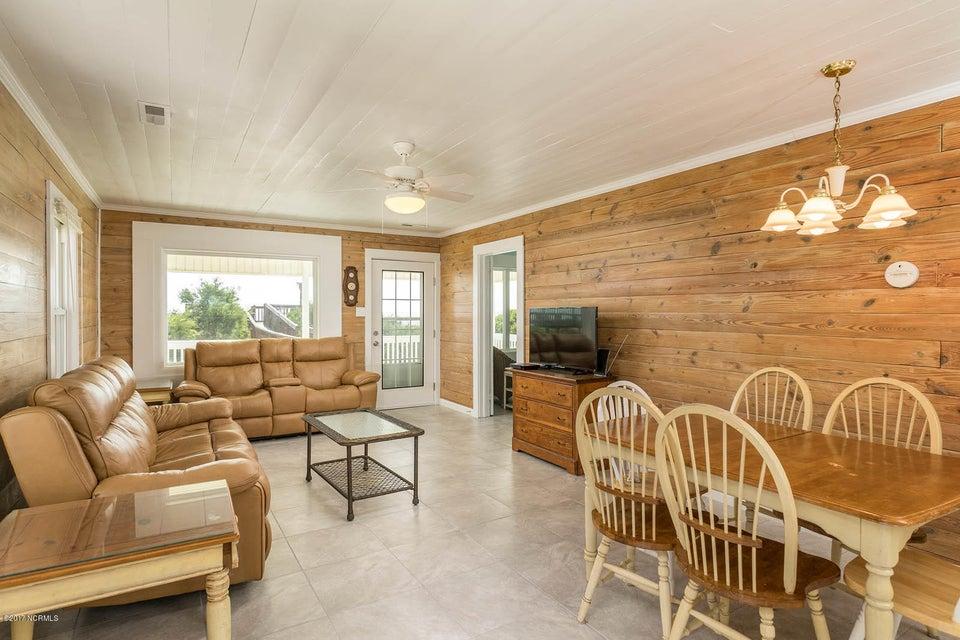 Caswell Beach Real Estate - http://cdn.resize.sparkplatform.com/ncr/1024x768/true/20170925162314476902000000-o.jpg