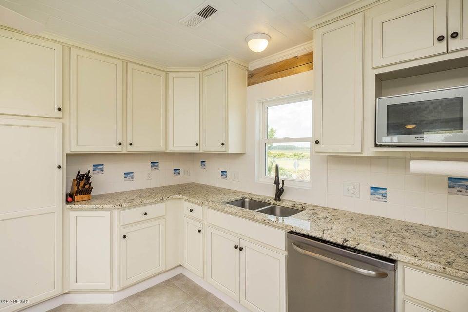 Caswell Beach Real Estate - http://cdn.resize.sparkplatform.com/ncr/1024x768/true/20170925162328369785000000-o.jpg