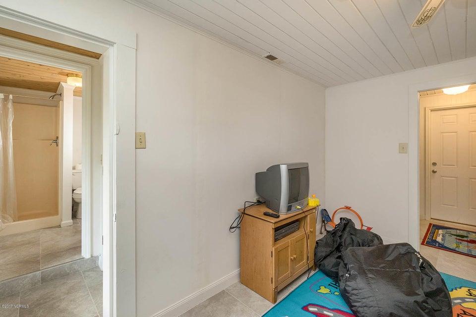Caswell Beach Real Estate - http://cdn.resize.sparkplatform.com/ncr/1024x768/true/20170925162351826342000000-o.jpg