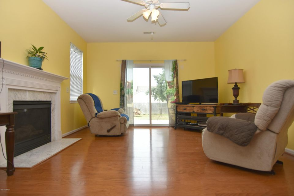 Westgate Real Estate - http://cdn.resize.sparkplatform.com/ncr/1024x768/true/20170926163552129937000000-o.jpg