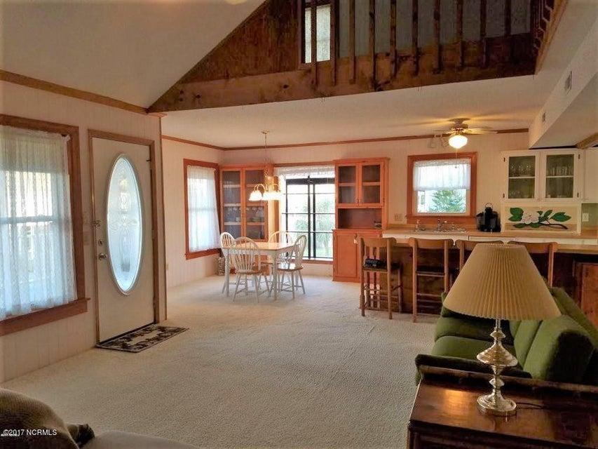 Fortner Real Estate - http://cdn.resize.sparkplatform.com/ncr/1024x768/true/20170927002542923449000000-o.jpg