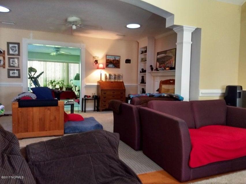 Carolina Shores Real Estate - http://cdn.resize.sparkplatform.com/ncr/1024x768/true/20170929171127686864000000-o.jpg