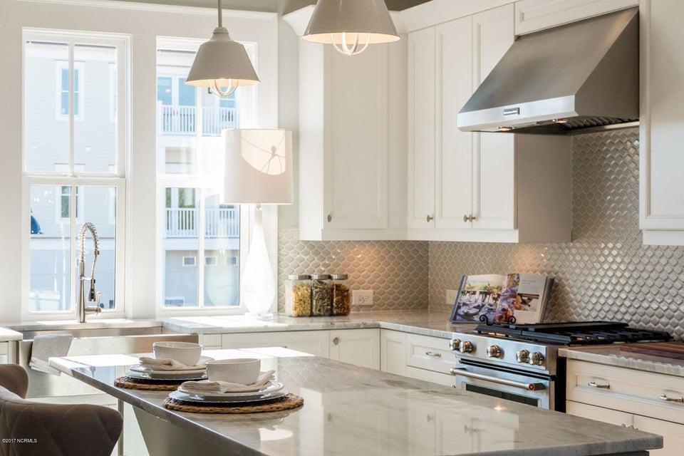 Riverlights Marina Village Real Estate - http://cdn.resize.sparkplatform.com/ncr/1024x768/true/20170929193844174247000000-o.jpg