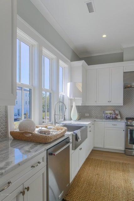 Riverlights Marina Village Real Estate - http://cdn.resize.sparkplatform.com/ncr/1024x768/true/20170929193845676302000000-o.jpg