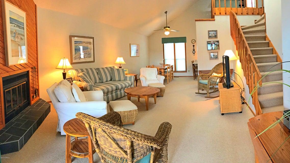 Sunset Beach Real Estate - http://cdn.resize.sparkplatform.com/ncr/1024x768/true/20171003145024392049000000-o.jpg