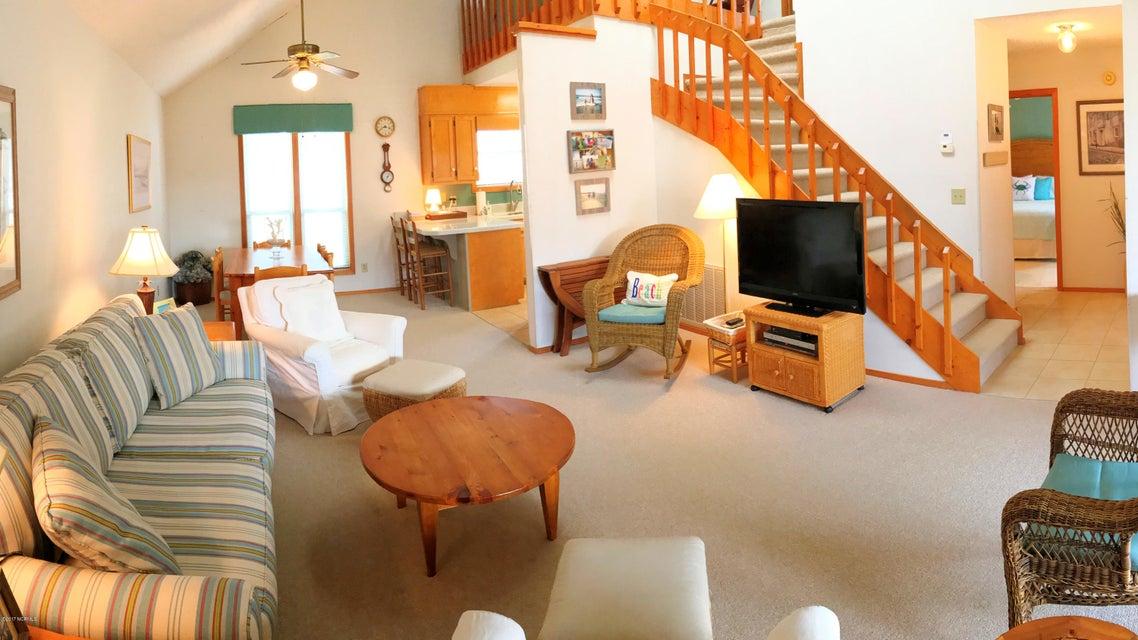 Sunset Beach Real Estate - http://cdn.resize.sparkplatform.com/ncr/1024x768/true/20171003145050916544000000-o.jpg