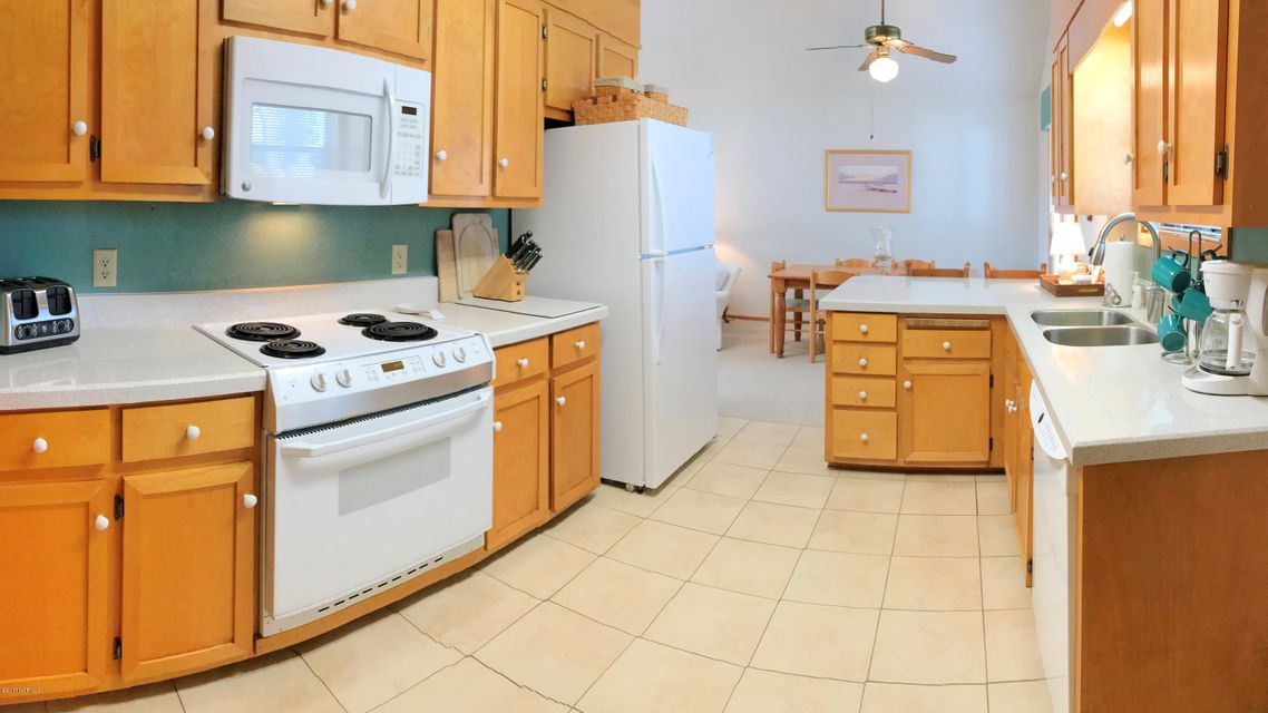 Sunset Beach Real Estate - http://cdn.resize.sparkplatform.com/ncr/1024x768/true/20171003163032040725000000-o.jpg