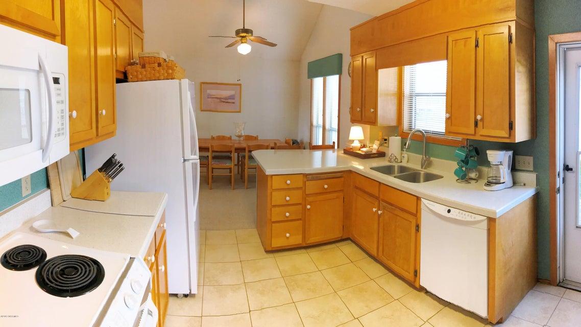 Sunset Beach Real Estate - http://cdn.resize.sparkplatform.com/ncr/1024x768/true/20171003163045458274000000-o.jpg