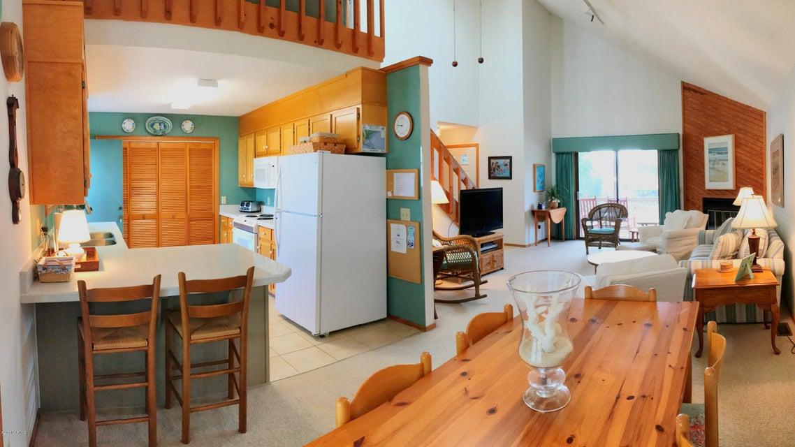 Sunset Beach Real Estate - http://cdn.resize.sparkplatform.com/ncr/1024x768/true/20171003163212406910000000-o.jpg