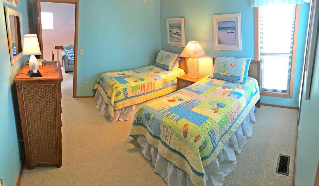 Sunset Beach Real Estate - http://cdn.resize.sparkplatform.com/ncr/1024x768/true/20171003163943282726000000-o.jpg