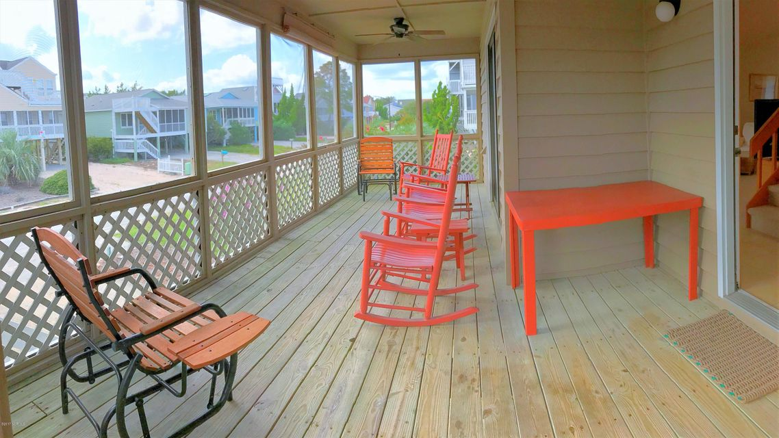 Sunset Beach Real Estate - http://cdn.resize.sparkplatform.com/ncr/1024x768/true/20171003164543955835000000-o.jpg