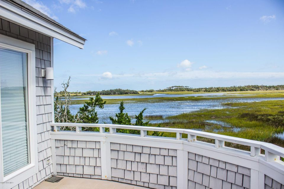 BHI (Bald Head Island) Real Estate - http://cdn.resize.sparkplatform.com/ncr/1024x768/true/20171006144128767843000000-o.jpg
