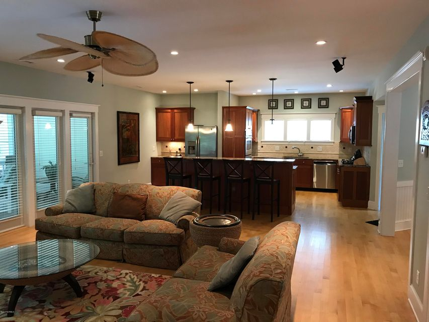 Stage I Real Estate - http://cdn.resize.sparkplatform.com/ncr/1024x768/true/20171006153935932086000000-o.jpg