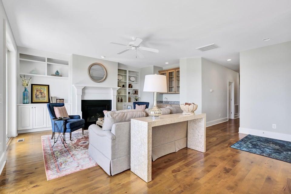 South Harbour Village Real Estate - http://cdn.resize.sparkplatform.com/ncr/1024x768/true/20171006190253012785000000-o.jpg