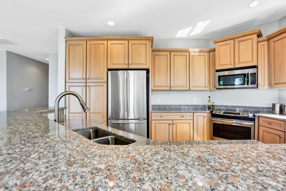South Harbour Village Real Estate - http://cdn.resize.sparkplatform.com/ncr/1024x768/true/20171006190322385921000000-o.jpg
