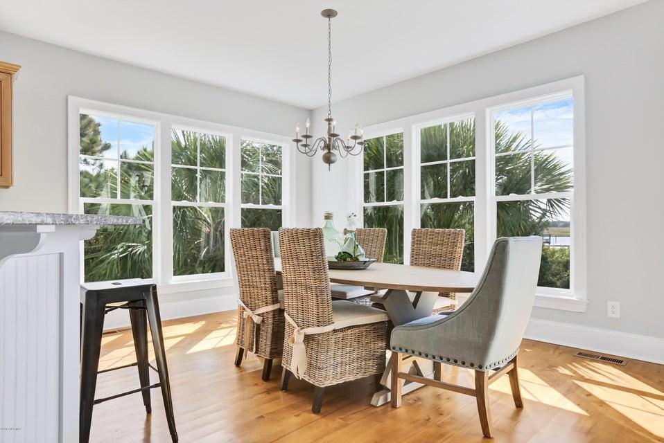 South Harbour Village Real Estate - http://cdn.resize.sparkplatform.com/ncr/1024x768/true/20171006190338826646000000-o.jpg