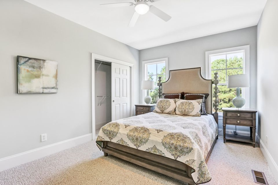 South Harbour Village Real Estate - http://cdn.resize.sparkplatform.com/ncr/1024x768/true/20171006190418365755000000-o.jpg