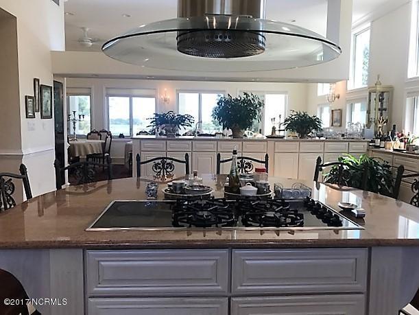 Masonboro Sound Real Estate - http://cdn.resize.sparkplatform.com/ncr/1024x768/true/20171010213529770174000000-o.jpg