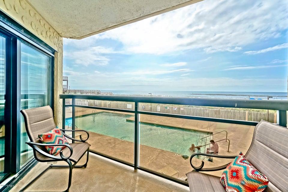 Ocean Point Real Estate - http://cdn.resize.sparkplatform.com/ncr/1024x768/true/20171014170720560700000000-o.jpg