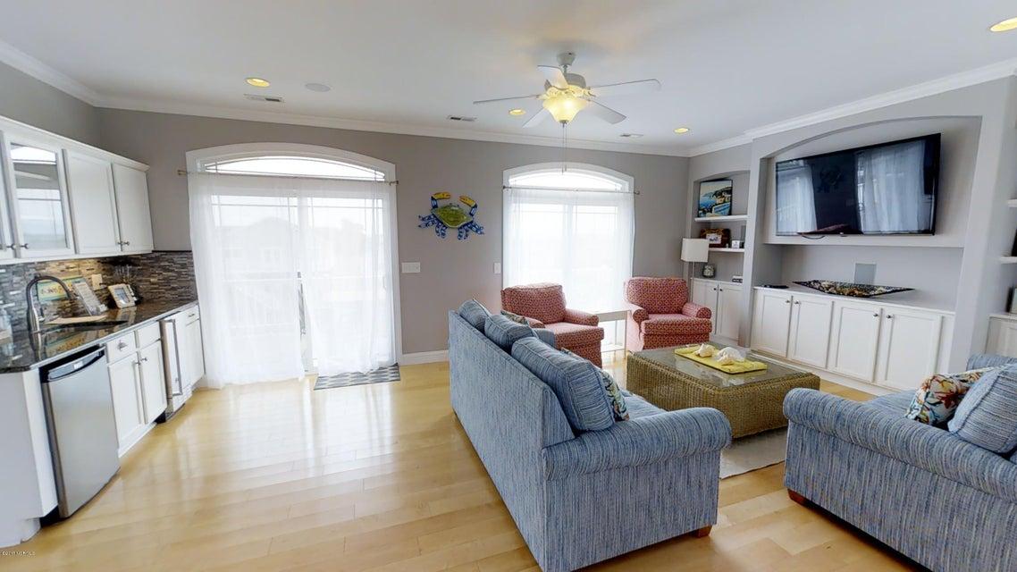 Harbor Acres Real Estate - http://cdn.resize.sparkplatform.com/ncr/1024x768/true/20171018170649639001000000-o.jpg