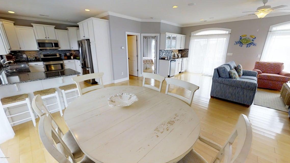 Harbor Acres Real Estate - http://cdn.resize.sparkplatform.com/ncr/1024x768/true/20171018170653656634000000-o.jpg