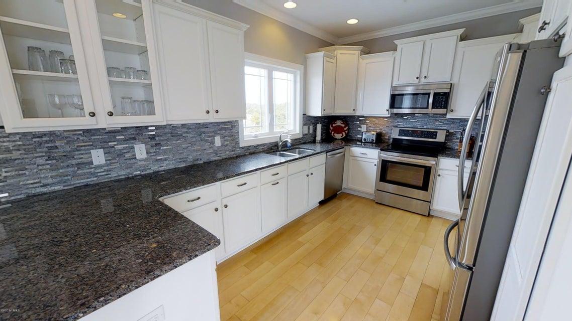 Harbor Acres Real Estate - http://cdn.resize.sparkplatform.com/ncr/1024x768/true/20171018170658327120000000-o.jpg
