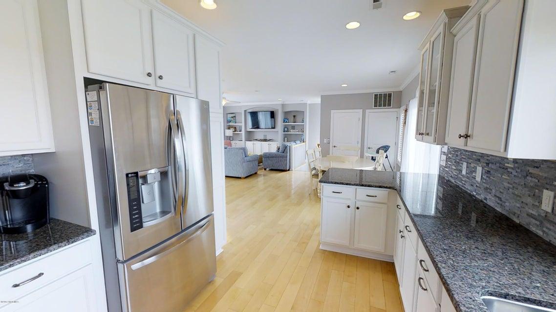 Harbor Acres Real Estate - http://cdn.resize.sparkplatform.com/ncr/1024x768/true/20171018170701915506000000-o.jpg