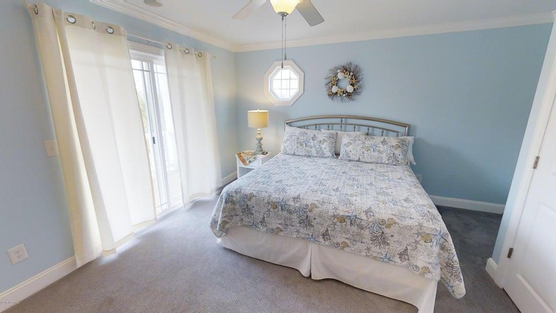 Harbor Acres Real Estate - http://cdn.resize.sparkplatform.com/ncr/1024x768/true/20171018170723603693000000-o.jpg