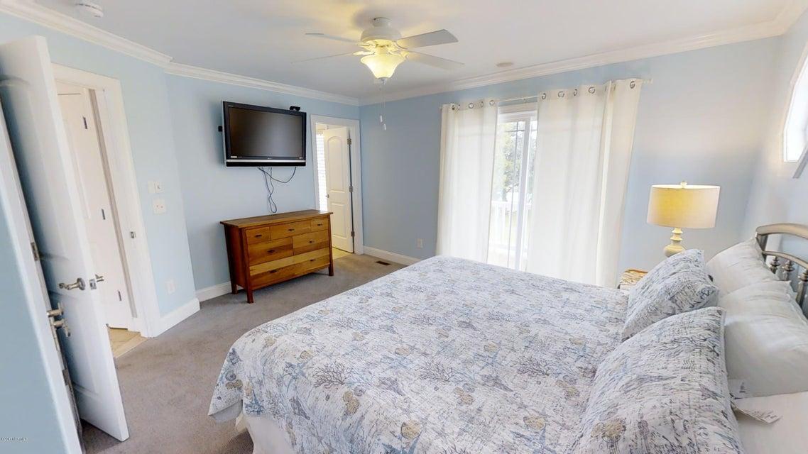 Harbor Acres Real Estate - http://cdn.resize.sparkplatform.com/ncr/1024x768/true/20171018170725369901000000-o.jpg