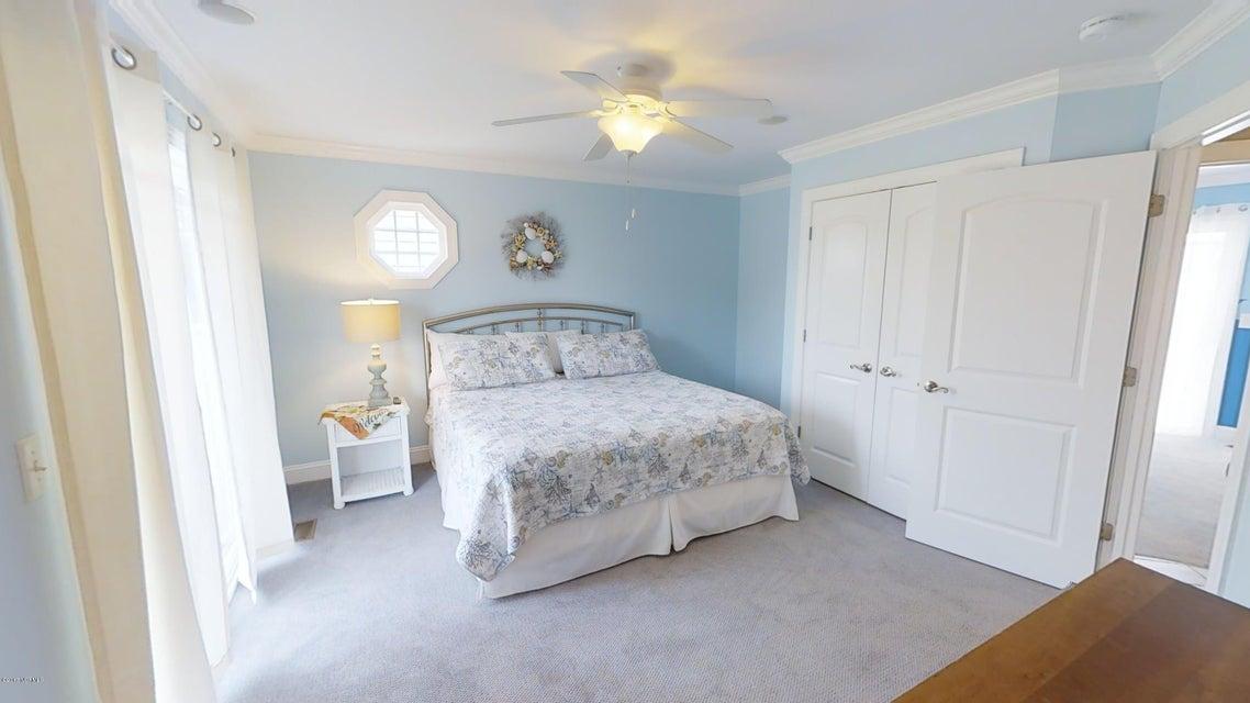 Harbor Acres Real Estate - http://cdn.resize.sparkplatform.com/ncr/1024x768/true/20171018170727270489000000-o.jpg