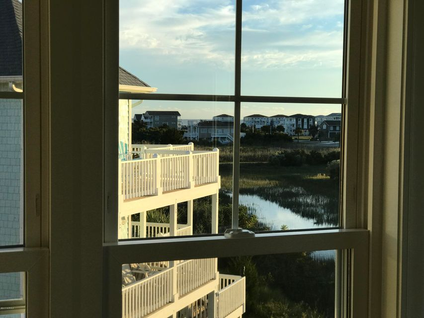 Maritime Place Real Estate - http://cdn.resize.sparkplatform.com/ncr/1024x768/true/20171018181944621578000000-o.jpg