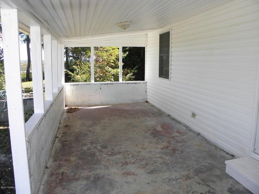 Tranquil Harbor Real Estate - http://cdn.resize.sparkplatform.com/ncr/1024x768/true/20171018235955388742000000-o.jpg