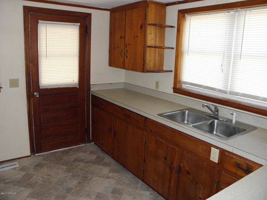 Tranquil Harbor Real Estate - http://cdn.resize.sparkplatform.com/ncr/1024x768/true/20171019000025548201000000-o.jpg