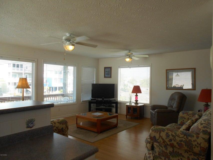 Harbor Acres Real Estate - http://cdn.resize.sparkplatform.com/ncr/1024x768/true/20171019162644985039000000-o.jpg