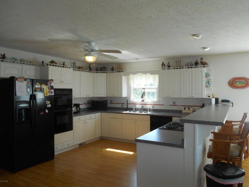 Harbor Acres Real Estate - http://cdn.resize.sparkplatform.com/ncr/1024x768/true/20171019163043926757000000-o.jpg