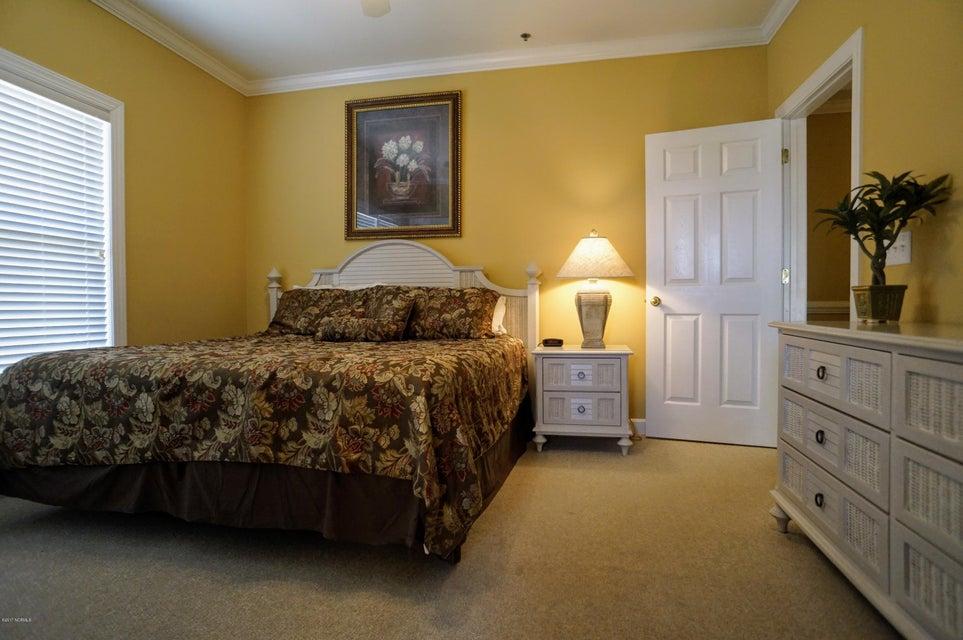 Islander Resort Real Estate - http://cdn.resize.sparkplatform.com/ncr/1024x768/true/20171019185259909128000000-o.jpg
