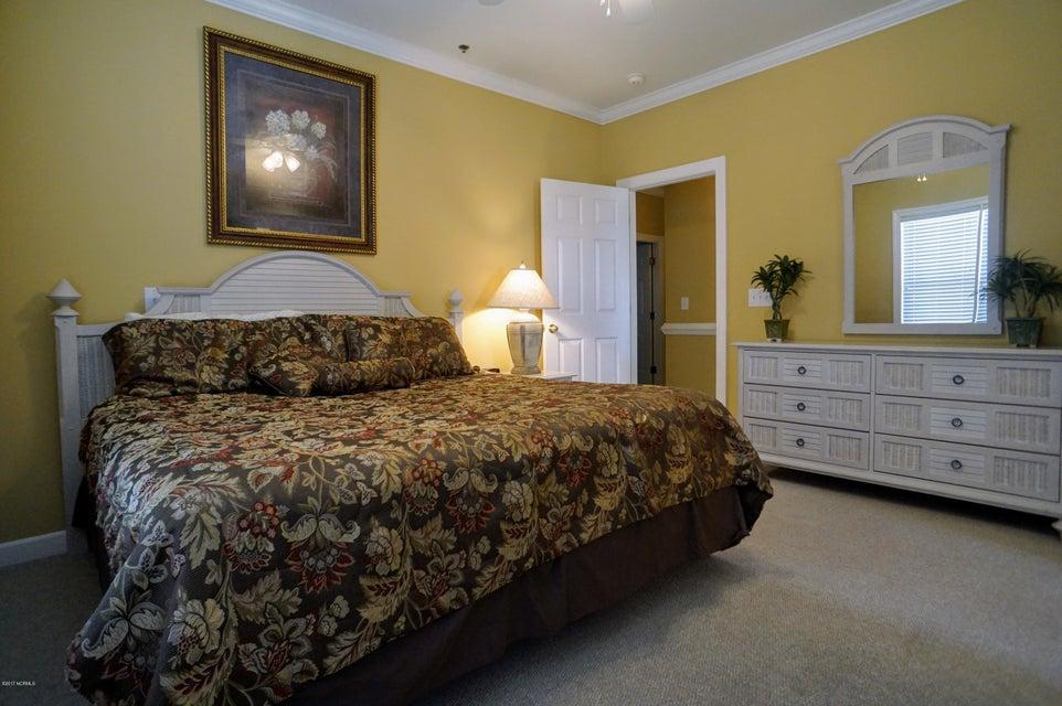 Islander Resort Real Estate - http://cdn.resize.sparkplatform.com/ncr/1024x768/true/20171019185303444709000000-o.jpg