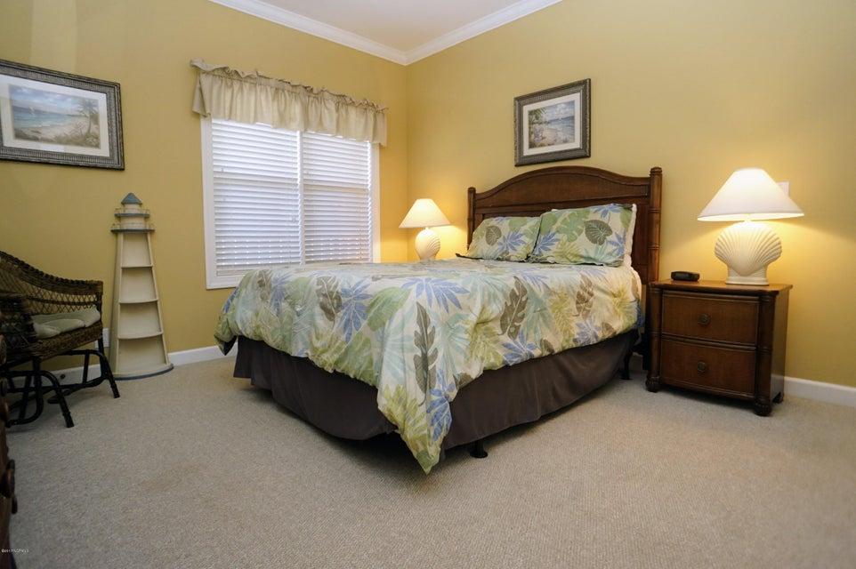 Islander Resort Real Estate - http://cdn.resize.sparkplatform.com/ncr/1024x768/true/20171019185324290155000000-o.jpg